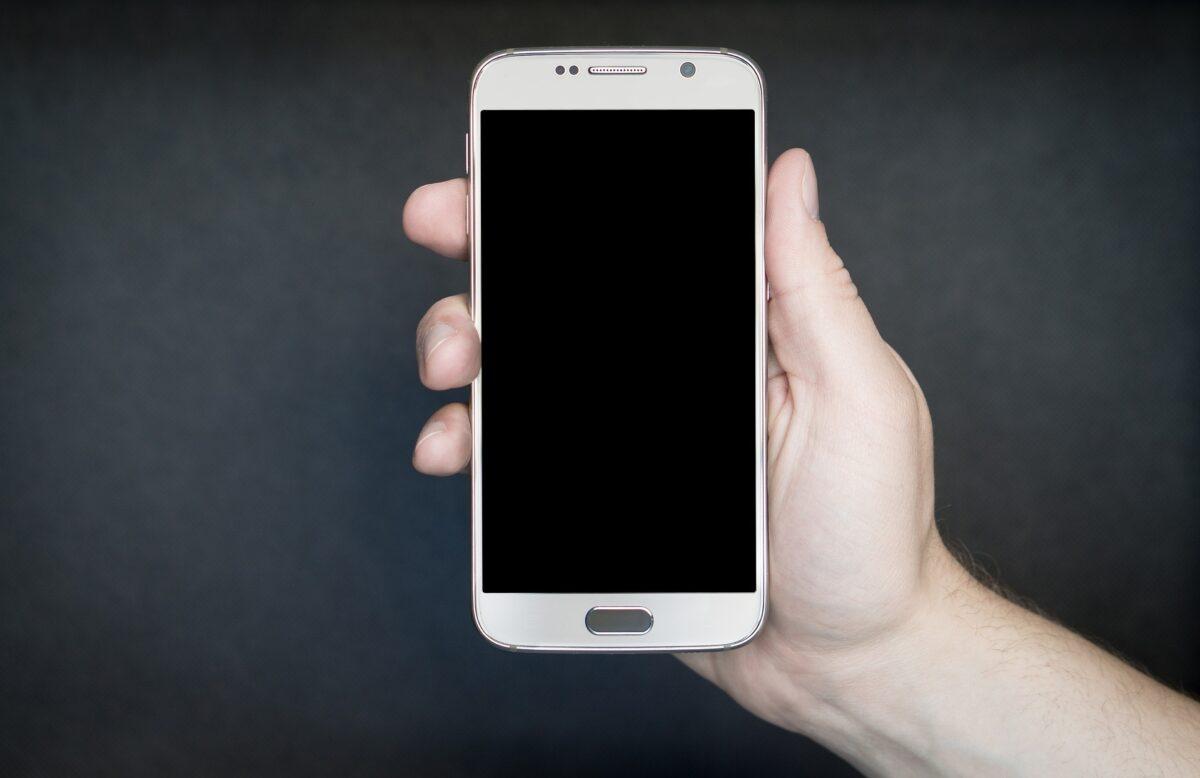 Top 3 telefonów komórkowych: na co warto postawić?