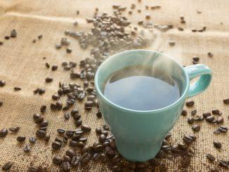 Jak w odpowiedni sposób przygotować kawę