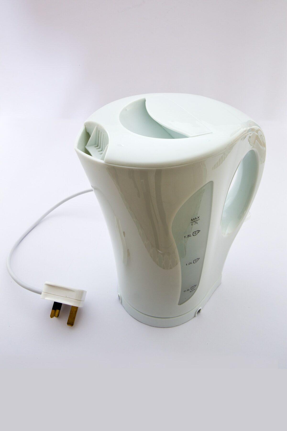 Jak usunąć kamień z czajnika elektrycznego domowymi sposobami? Doradzamy