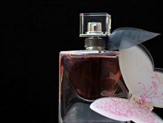 Jak dobrać kobiecie perfumy?