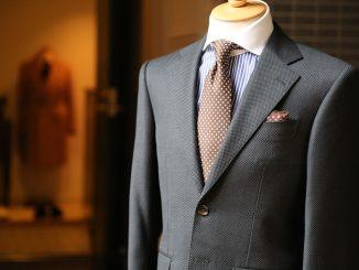 Perfekcyjnie dopasowany garnitur