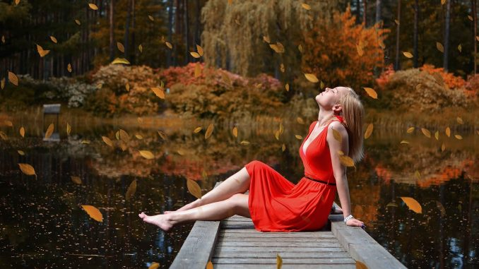 Jesienna moda - kolory i fasony
