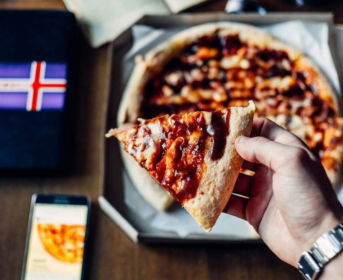 Pizza na telefon - pyszne jedzenie i oszczędność czasu