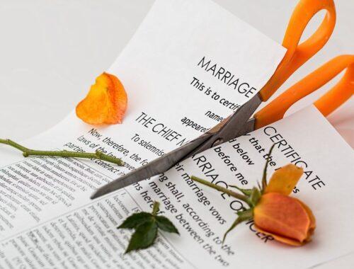 Koniec małżeństwa - łatwo stwierdzić, trudniej opłacić. Sprawdź, ile kosztuje rozwód