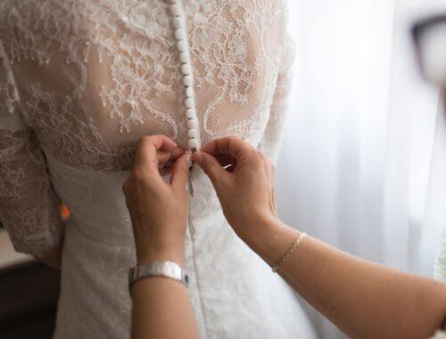Najmodniejsze suknie w 2021 roku
